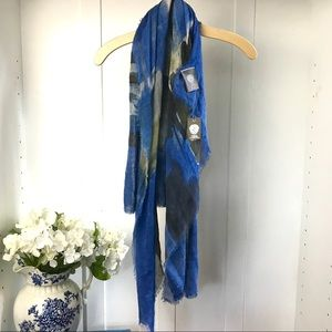 NWT Vince Camuto Wide Wrap Scarf